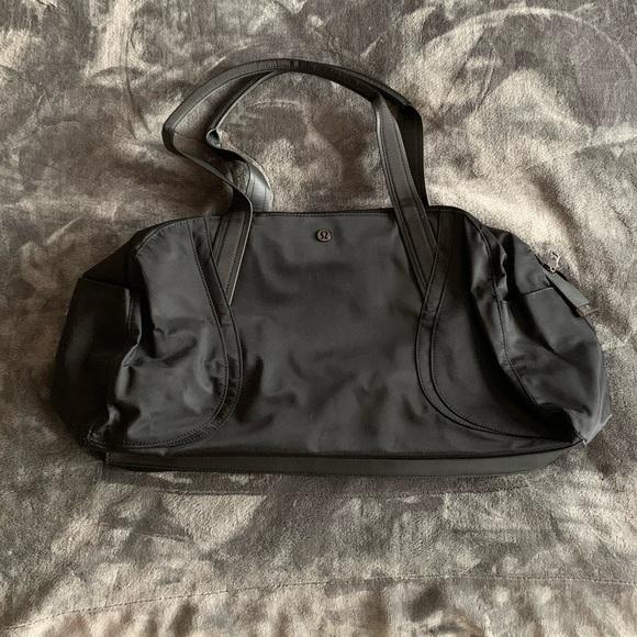 BRAND NEW Lululemon Overnight bag - Black